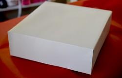Boîte pâtissière blanche carrée sans impression 25 x 25 x 8 MIF